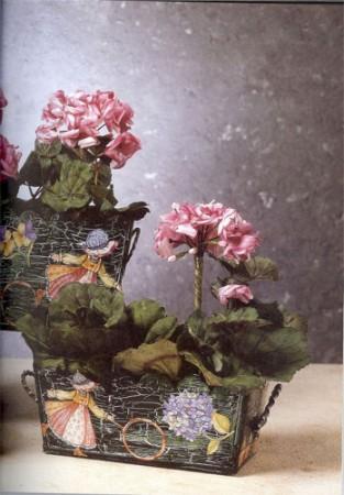 Уроки декупажа. Основание с кракелюрами. Как украсить ящики, кадки, горшки для цветов.