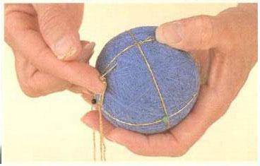 Как сделать темари. Шаг 3. Украшение шара, способы отделки.