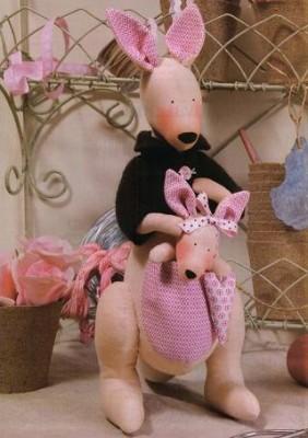 Игрушки Тильды.Выкройки для пошива кенгуру, овечек, свинок.