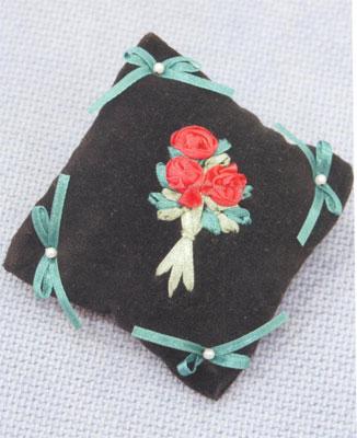 Вышивание лентами. Игольница с цветочками.