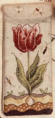 Вышивка крестом, схемы Очешник тюльпан.