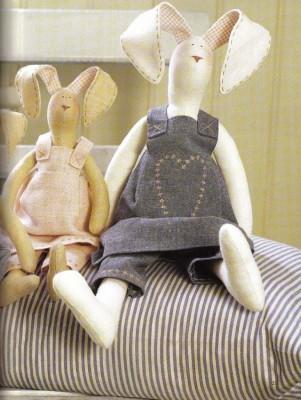 Игрушки Тильды.Выкройки для пошива зайцев. Примеры работ.