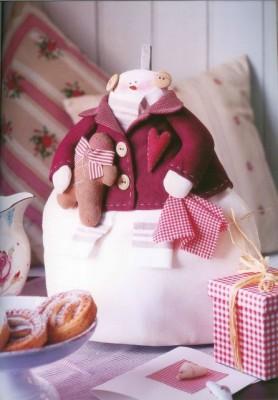 Выкройки Тильда - снеговичков, сердечек и других игрушек.