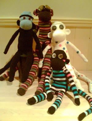 """История появления """"носочных обезьян"""" (Sock Monkeys)."""