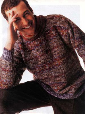 Если вы имеете большой опыт в вязании, то выполнить вязание спицами мужского свитера вам не будет очень сложно.
