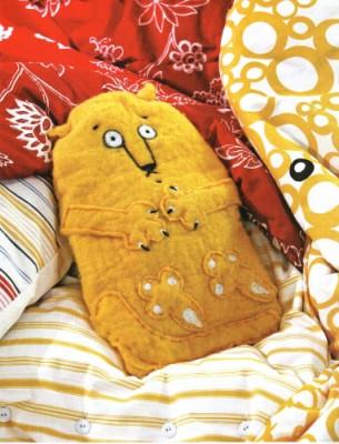 Тёплый подарок любимому мужчине любого возраста. Кот и жираф.