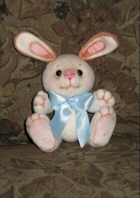 Выкройки мягких игрушек: зайца, коровы, овцы, курицы и мышки.