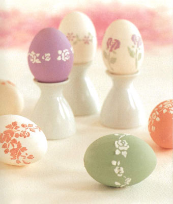 Окрашиваем яйца к пасхе. Барельеф.