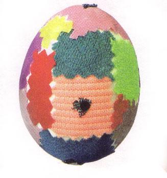Декорируем пасхальные яйца в лоскутной технике без выполнения швов.