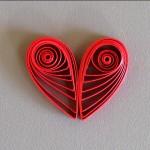 Квиллинг. Как сделать сердце для оформления поделок любимому человеку.