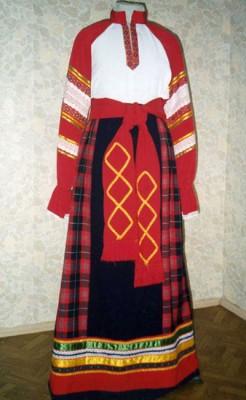 одежда в русском народном стиле.