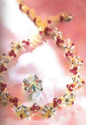 Как сделать модное украшение. Комплект в красных тонах: колье, перстень. Схемы плетения.