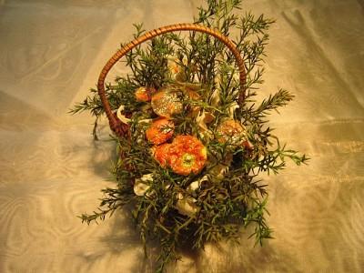 Корзинки с сухоцветами и грибами от Ольги Кочарян.
