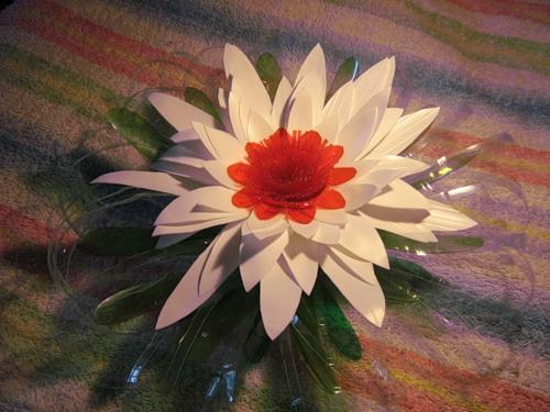 Цветок из полиэтиленовой тары.