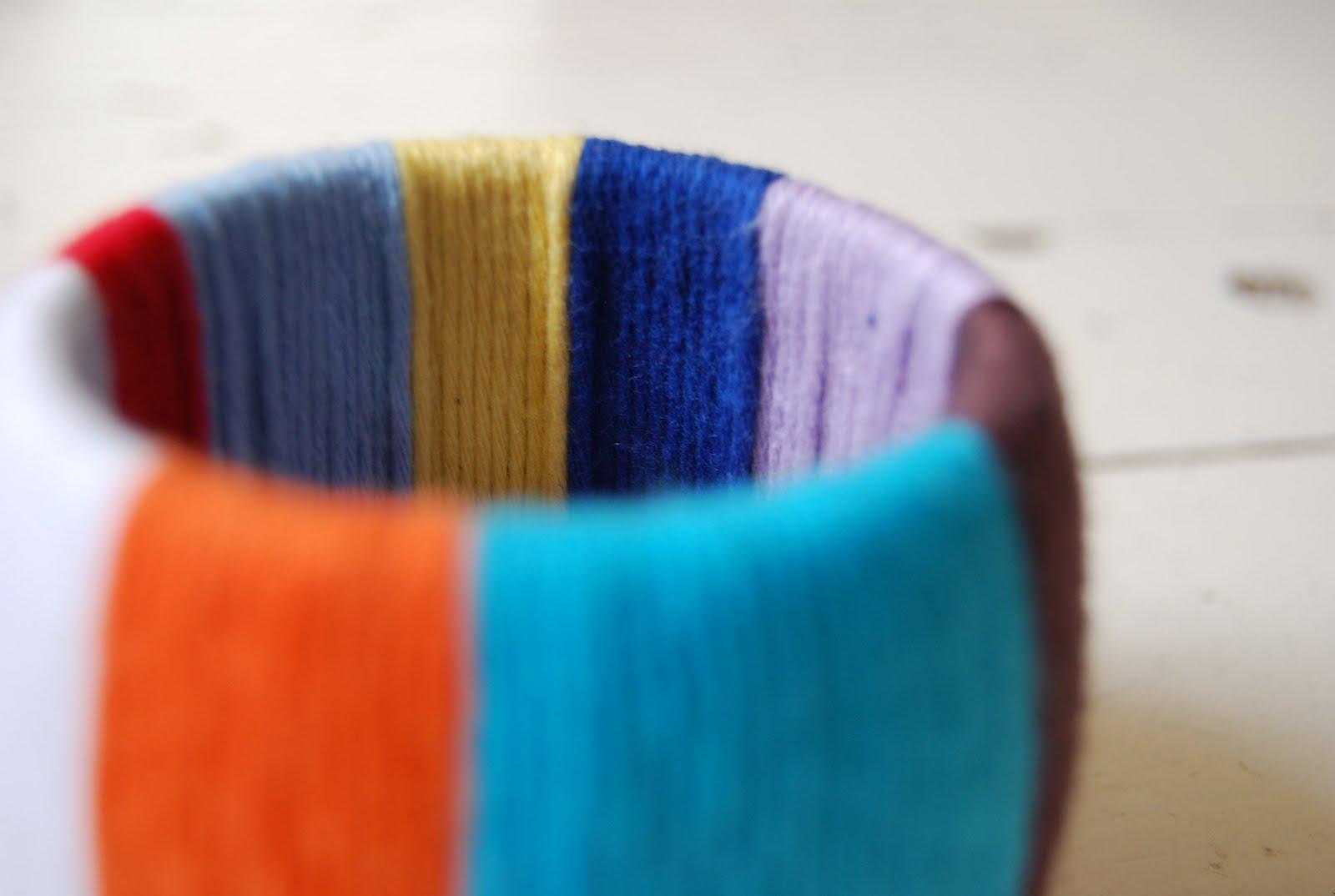 украшение из ниток модный браслет своими руками рукоделие и