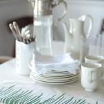 Для дома и интерьера - салфетки и скатерть со стильным узором.
