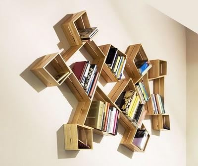 Книжные полки которые могут и не могут украсить ваш дом.