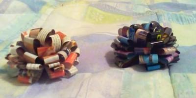 Бумажные банты для украшения подарка.