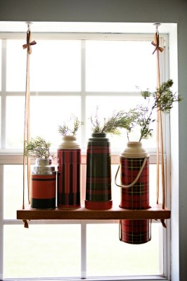 Полочка для ваз, бутылок или термосов.